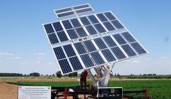 Mobil Güneş Pilli Sulama Makinesi Konya fuarında tanıtıldı.