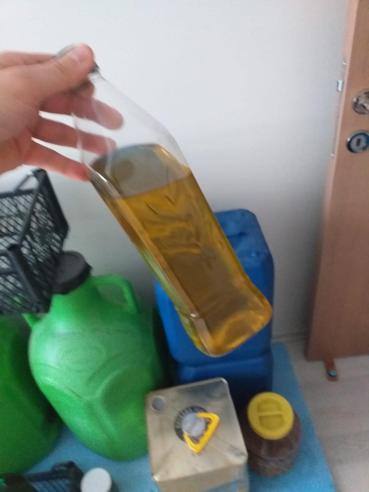 Zeytinyağı - Üretici Recep Almaz 27 tl fiyat ile 5 litre zeytinyağı  satmak istiyor